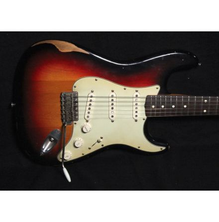 Fender Road Worn Series Stratocaster 60s USED. Very good condition.
